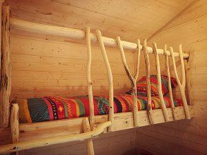 Llit simple cabane perce neige